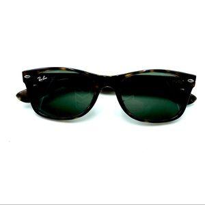 Ray-Ban Sun Glasses, Frame Dark Brown, EUC